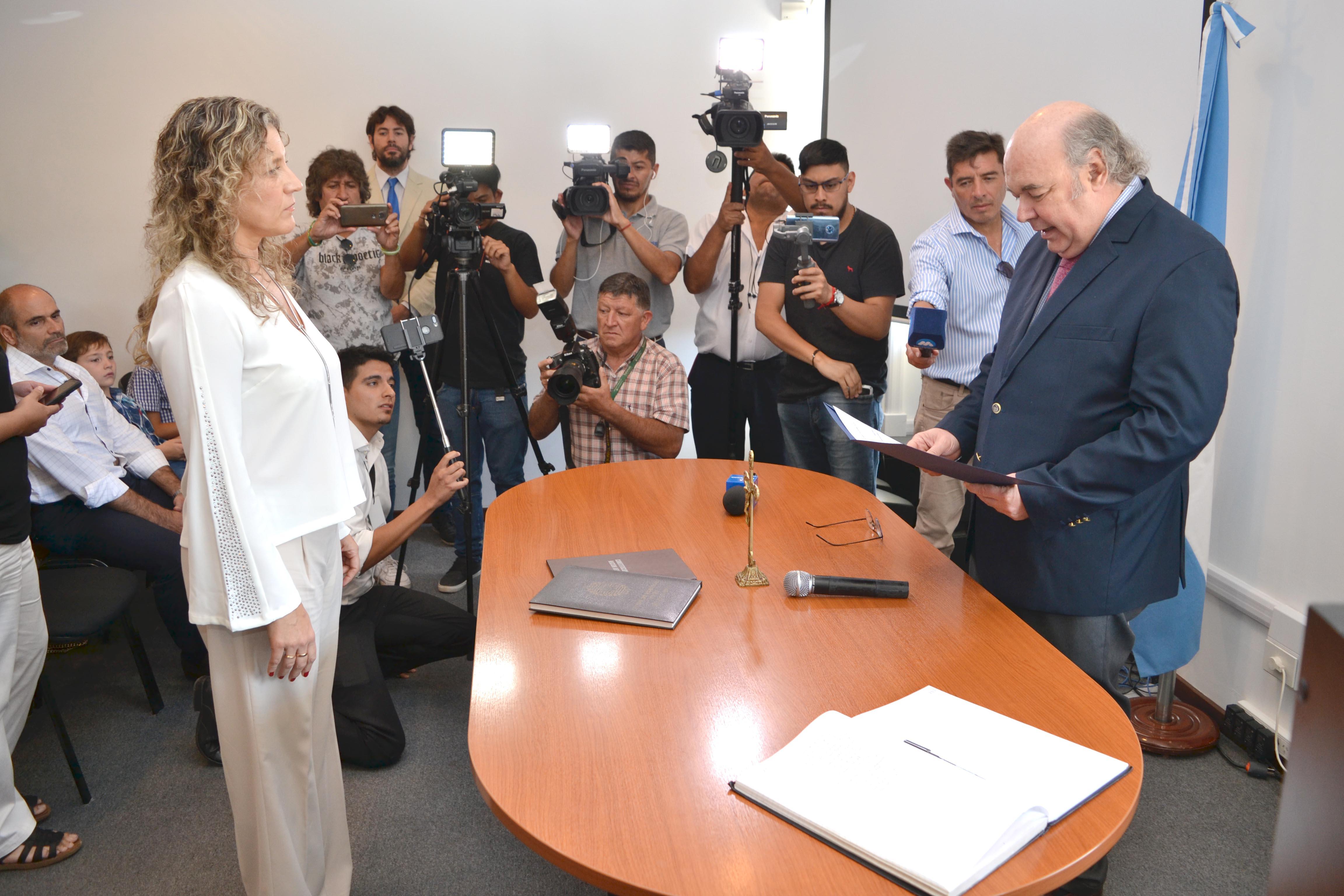 Album de Fotos: El Procurador General tomó juramento a la fiscal penal María Luján Sodero como directora del CIF