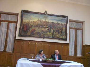 Foto: Abel Cornejo, junto a la doctora en historia, Sara Mata.