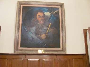 Foto: La figura de San Martín enmarcada en la sala de conferencias del Ejército.