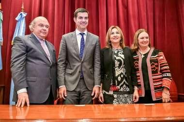 Foto: El Dr. Juan Manuel Urtubey junto al Colegio de Gobierno del Ministerio Público